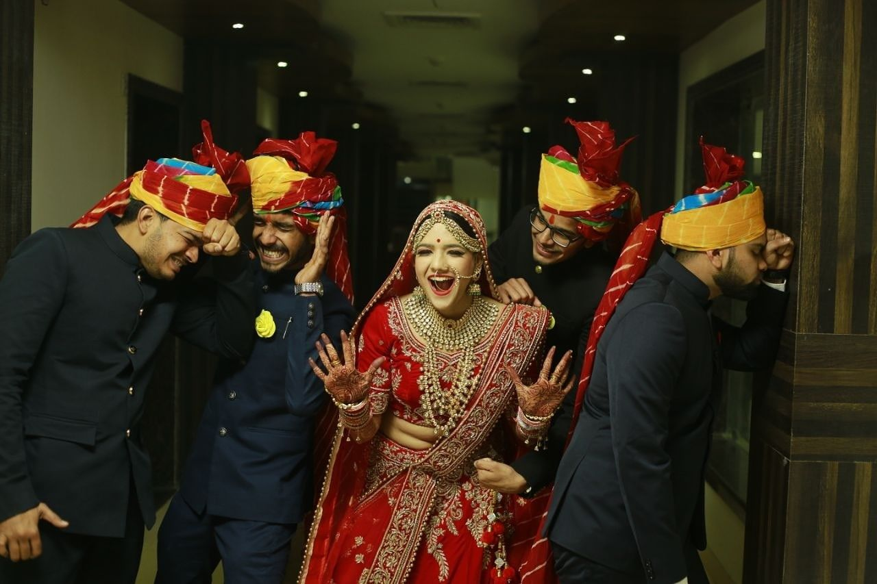 Pin by Niharika Singhal on engagement pics ideas Wedding