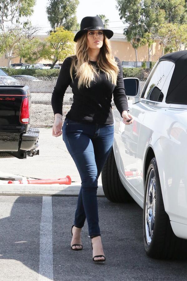 Khloe Kardashian Calabasas February 20 2014 Going Out