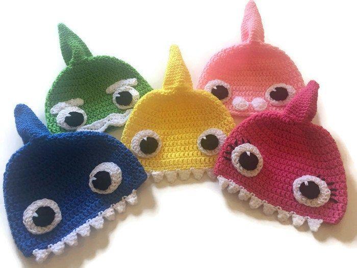Baby shark parte 1 - YouTube   Brinquedos de crochê, Bonecas de ...   525x700
