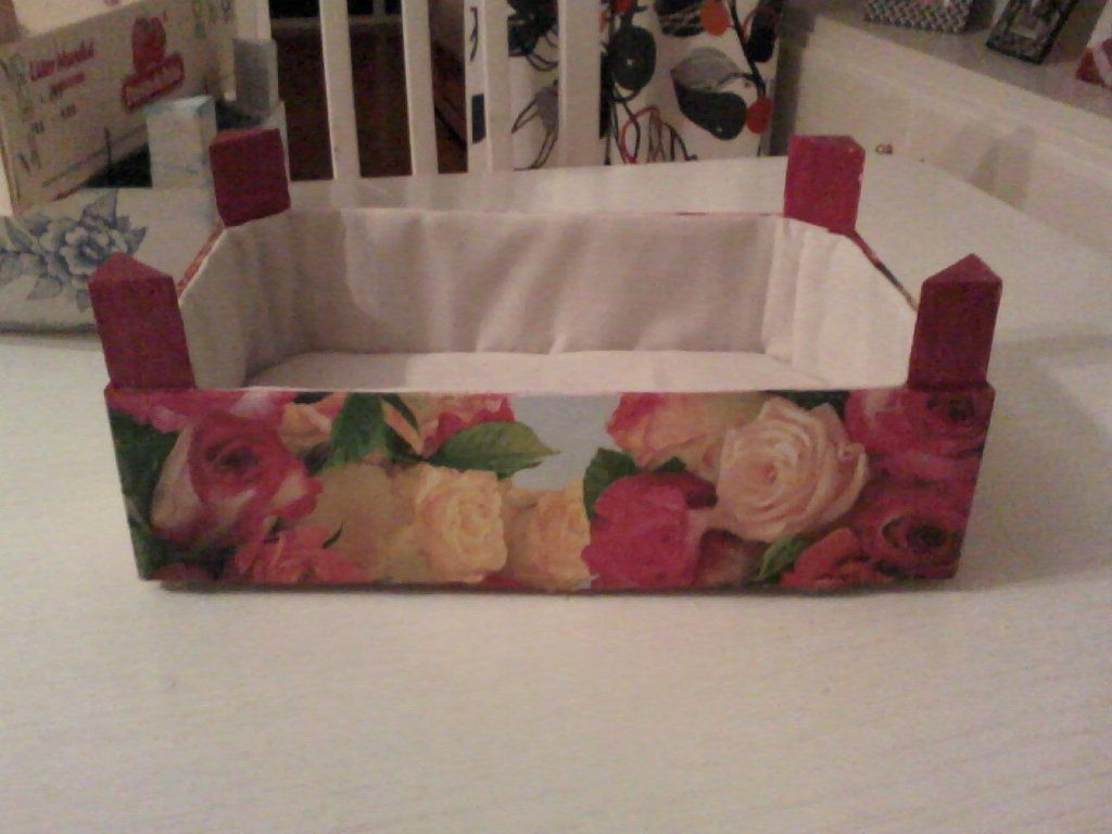 Cajas de fresas cajas reciclado y bricolaje - Manualidades con caja de madera ...
