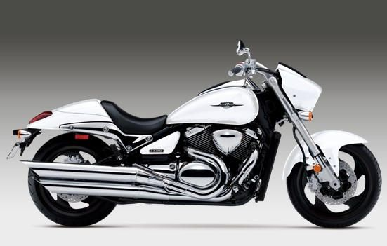2015 Suzuki Boulevard M90 model is in step with the times, every year the company by Suzuki added something new to their already excellent models. This tim
