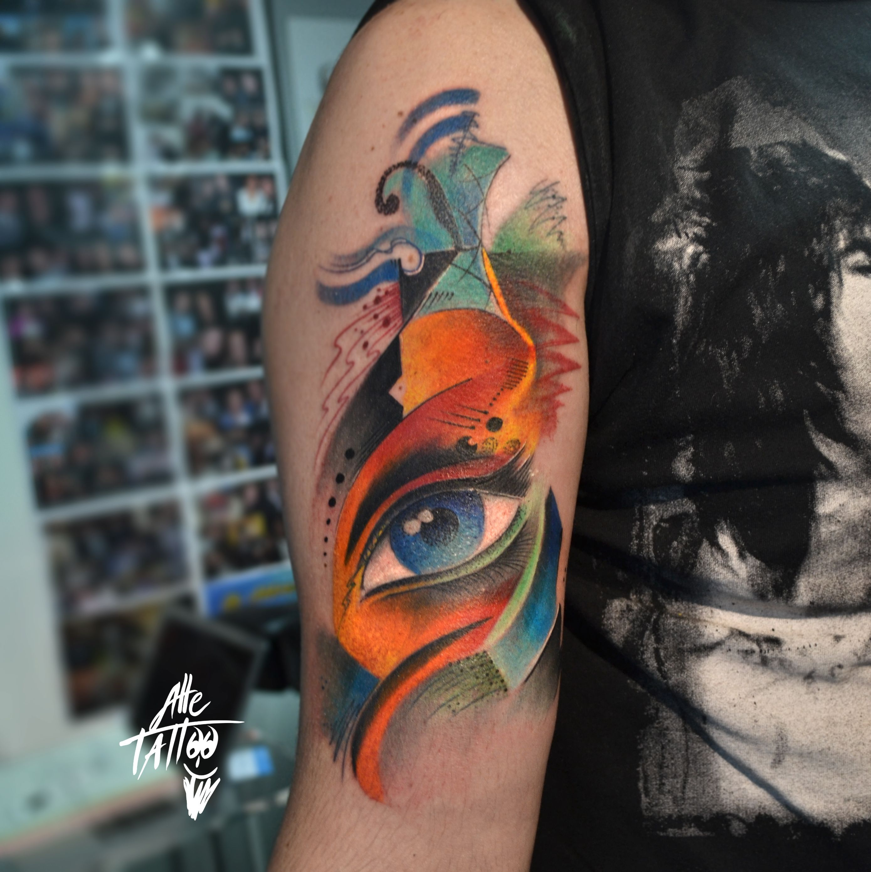 #occhio #avantgarde #tattoo #eye #tatuaggio #alletattoo #kandinksky #abstract #astratto