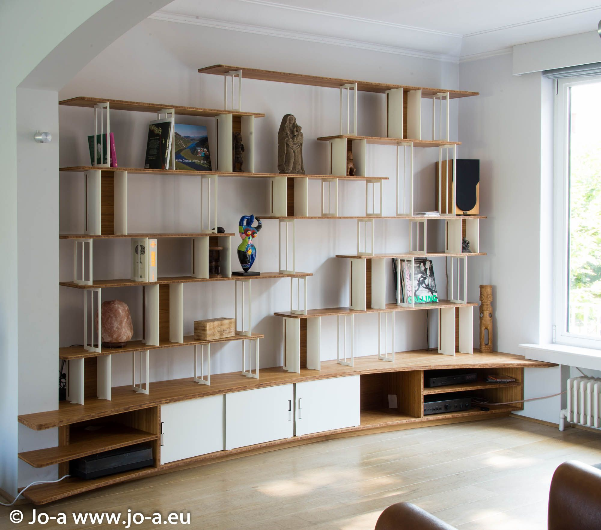 Custom bookcase by Joa White steel and plain wood  ~ Bibliotheque Bois Design
