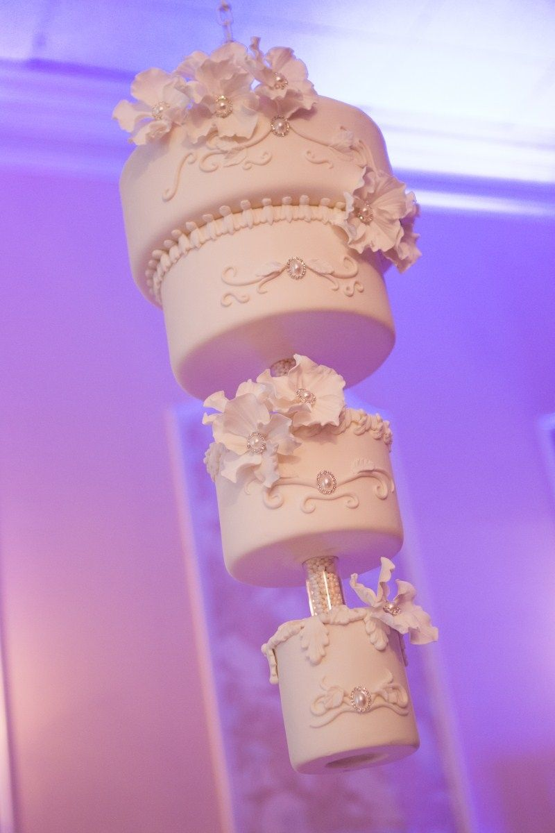 With Kaley Cuoco s wedding cake all over the place right now thought     With Kaley Cuoco s wedding cake all over the place right now thought I d  share my sister s hanging wedding cake we did for her wedding in July 2012