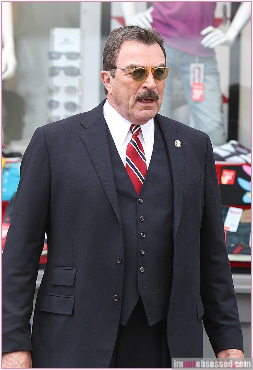 Tom selleck in blue bloods no tuxe no tie you 39 re not on - Tom selleck shows ...