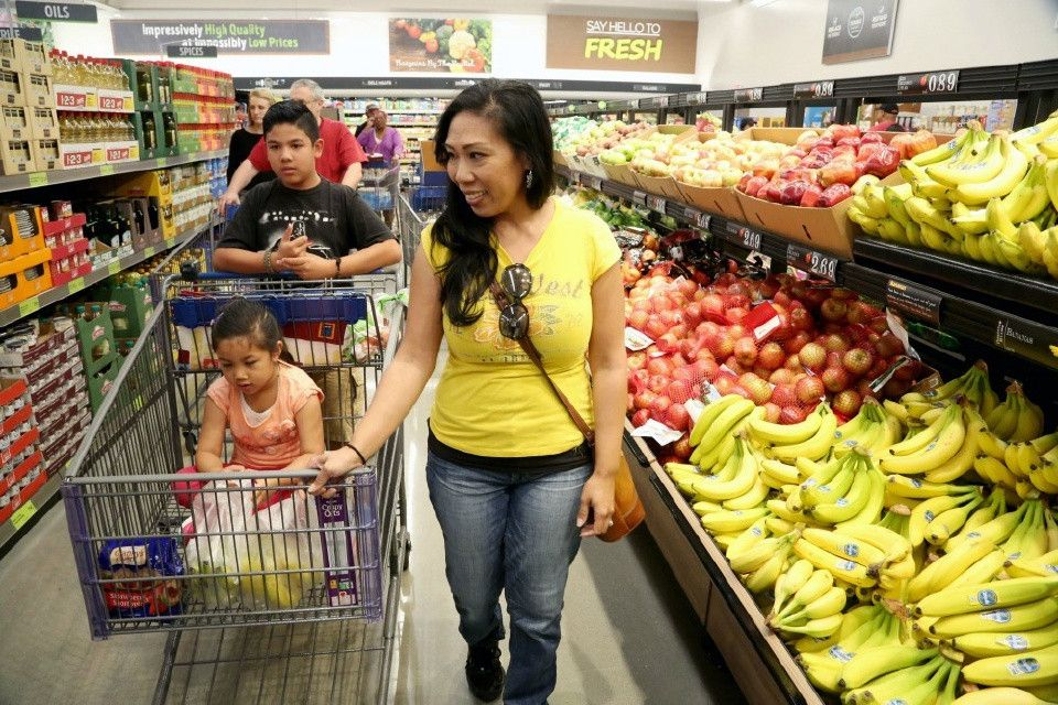 'Make a grocery list' Feds teach people how to shop for