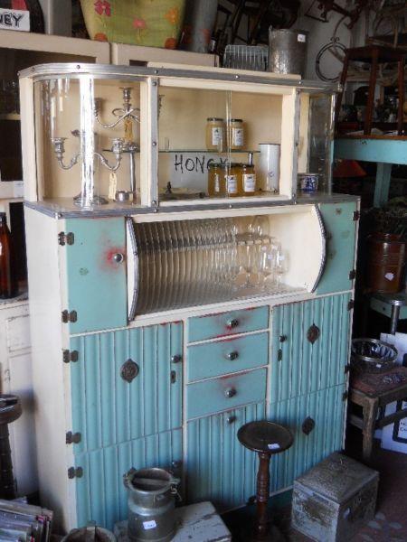 Vintage kitchen dresser port elizabeth gumtree south for Kitchens south africa