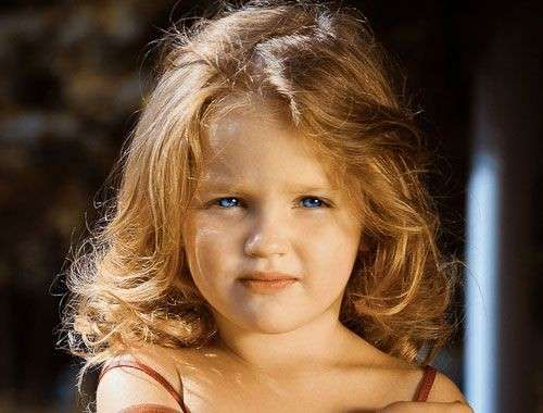 Tagli di capelli per bambini , Taglio asimmetrico per bambina