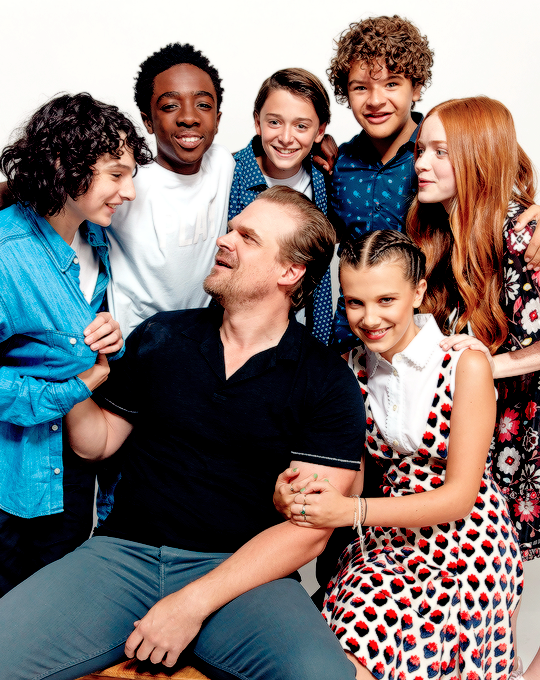 Finn Wolfhard, Caleb McLaughlin, Noah Schnapp, Gaten Matarazzo, Sadie Sink, David Harbour and Millie Bobby Brown from Netflix's 'Stranger Things' pose for a portrait during Comic-Con 2017 at Hard Rock...