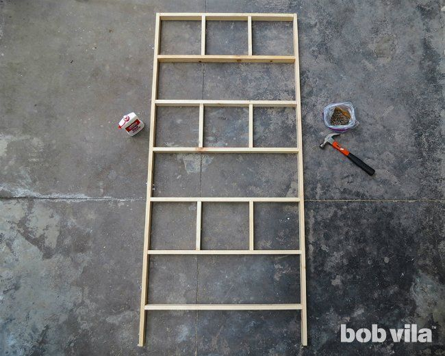 DIY Room Divider - Tutorial DIY Room Divider - Step 5 Painted glass in small squares or mirror