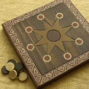 Le Mutorere - jeu des tribus Maori de Nouvelle-Zélande  http://ekladata.com/cSxwKLzzTN2iE6s6sLBHT8jgRAg/jEU-MUTORERE.pdf