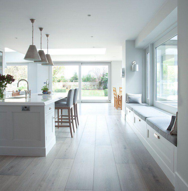 banquette sous fen tre 15 id es pour cr er un coin d tente cosy cuisine moderne banquette. Black Bedroom Furniture Sets. Home Design Ideas