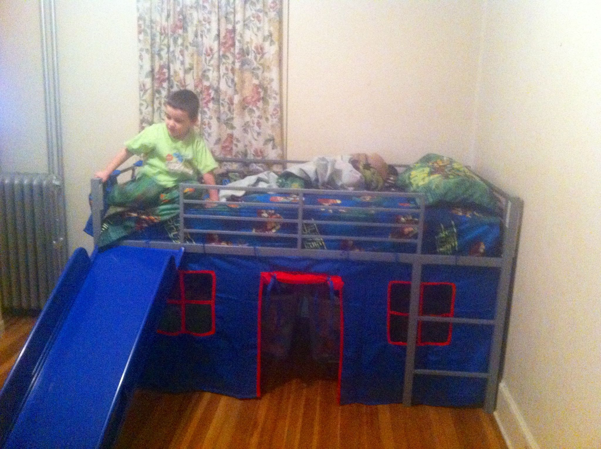 Boys loft bed with slide Grey Red and blue I purchased this from