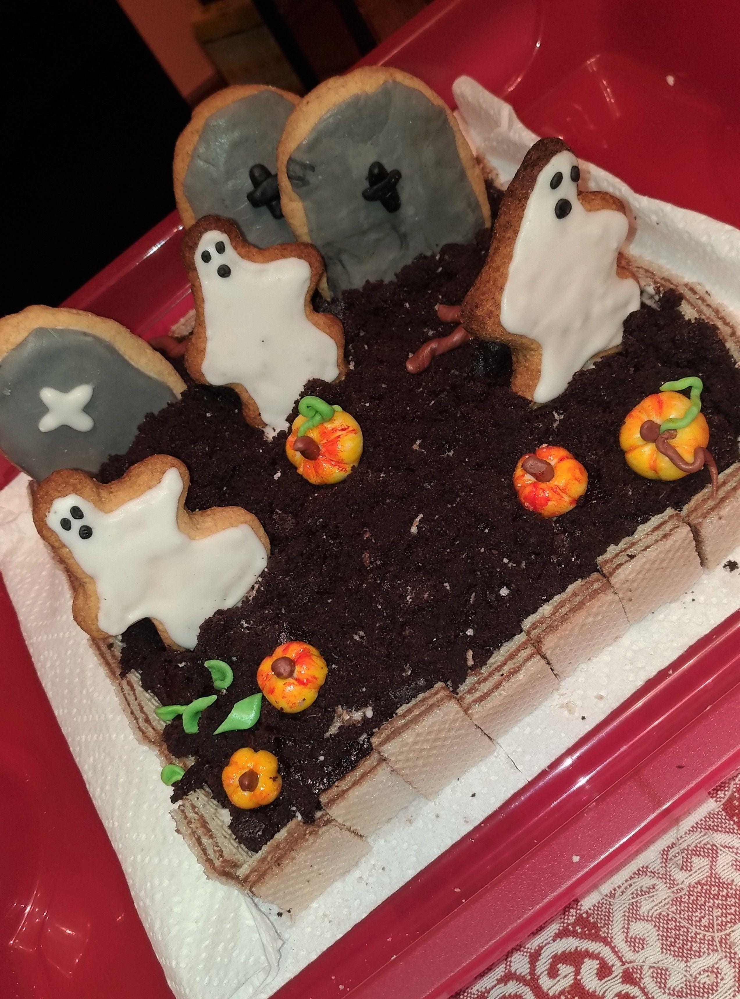 Torta brownie cimitero di Halloween  1c56a52b2ae8