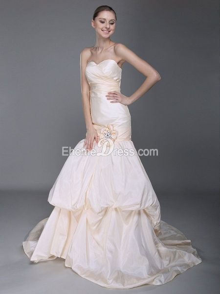 Taffeta Mermaid/Trumpet Sweetheart Hall Wedding Gown with Ruched ...