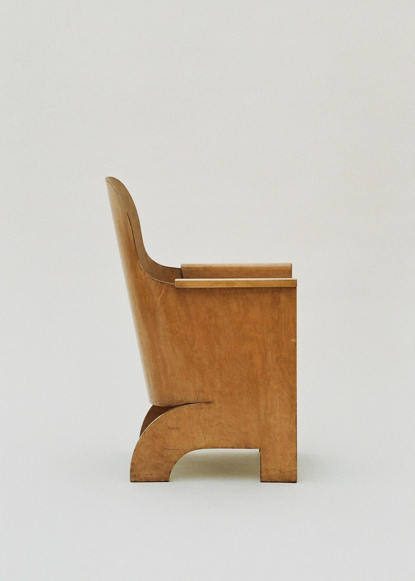 Gerald summers megaw chair makers of simple furniture abelsloane1934