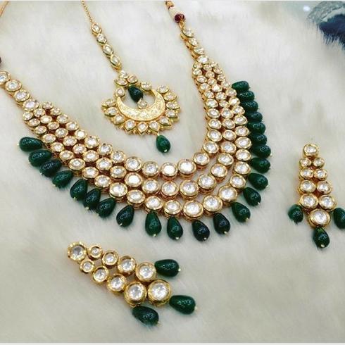 6b8e83aa388fb1 Forest Green Kundan Necklace Set | Designers | Jewelry, Kundan ...