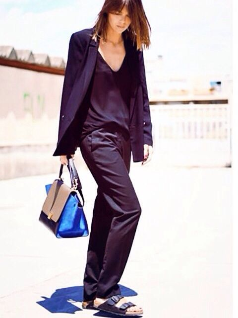 Street Style | Fashion Style | NYFW | Summer Shoes | Trends | Sandals | Flat Shoes | Black Birkenstocks | Ugly Shoes | Pool Slippers | Ugly-Pretty Sandals