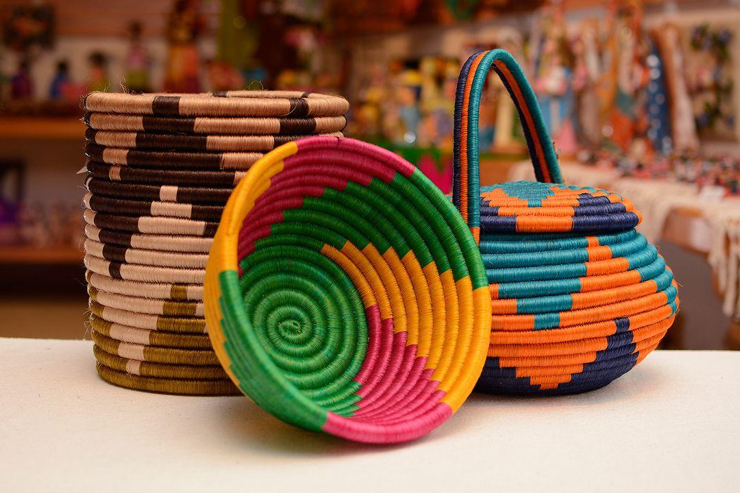 Artesanias Guacamaya - Boyaca Colombia (With images)   Decorative ...