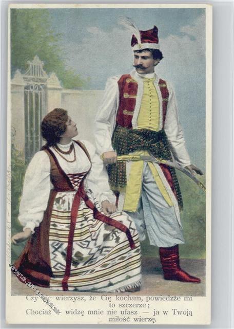 1906 Trachten Osteuropa Mann mit Säbel, die Frau kniet
