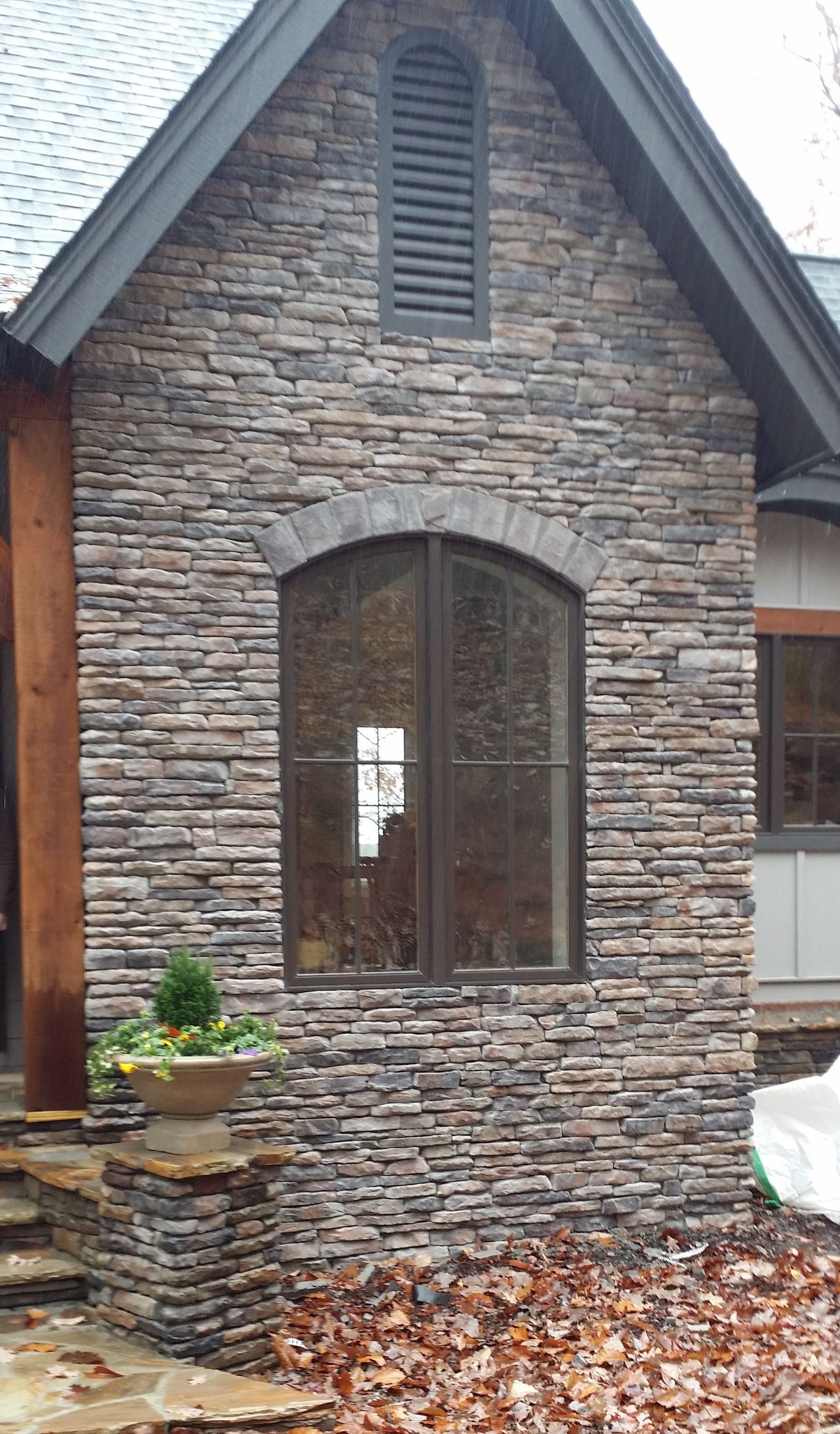 Builddirect Black Bear Stone Veneer Ledge Stone Aspen In 2020 Stone Exterior Houses Stone Houses Exterior Brick
