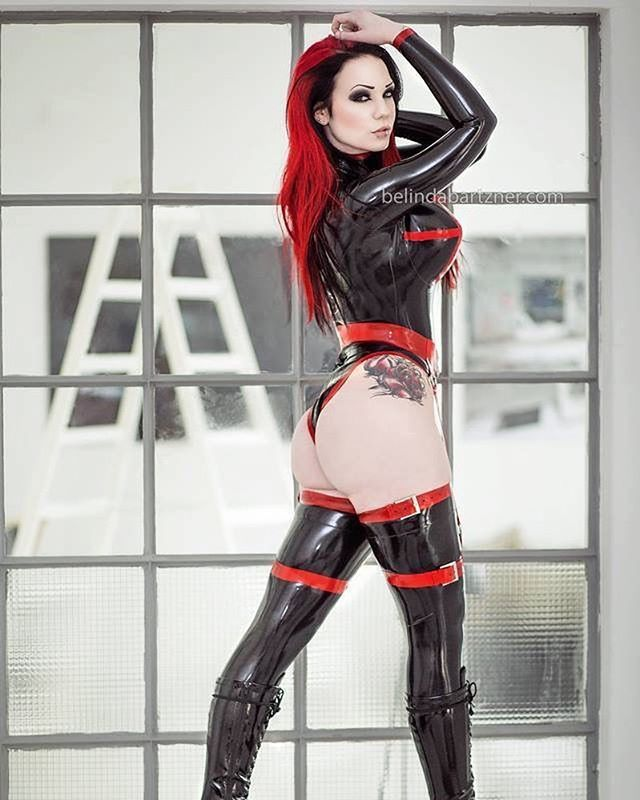 Attractive Starfucked On Mixing Lingerie And Latex Pictures 1