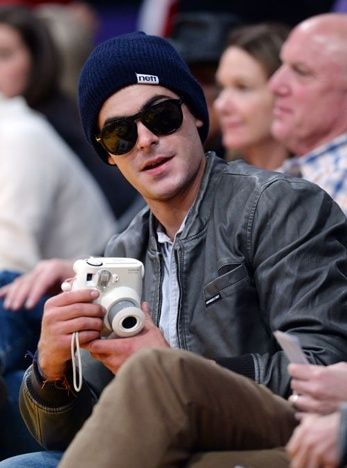 3b9ffbec621 Always pics and beanies for Zac Efron