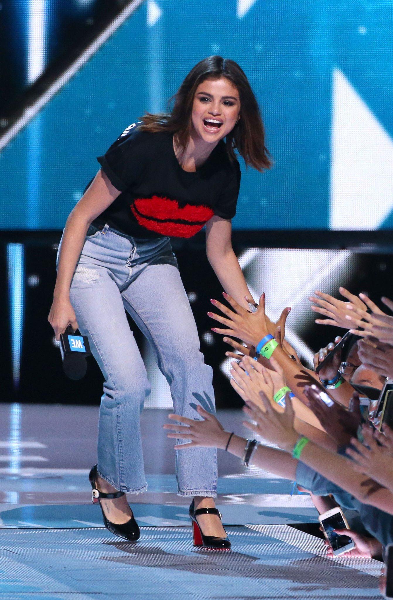 a6f8dcb6b1fa Selena Gomez x We Day