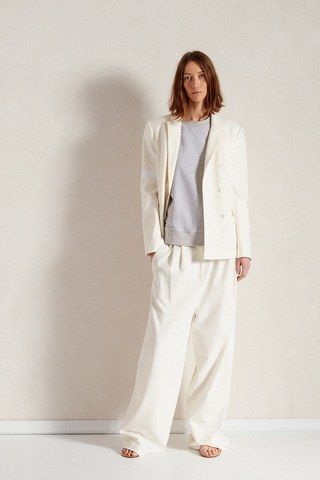 See the complete Tibi Pre-Fall 2018 collection.
