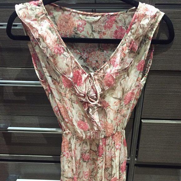 Massimo Dutti Spring Dress Feminine and beautiful Massimo Dutti floral print dress. Size: S/XS Massimo Dutti Dresses