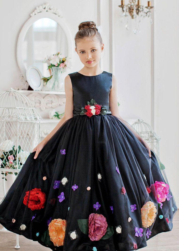 Нарядное детское платье  Отделка: цветы, бант. Материал: Фатин, атлас Цвет; черный Размеры: 116-122, 122-128, 128-134 ... ( другие размеры возможны под заказ, а так же по Вашим меркам ) http://lnk.al/3OdR