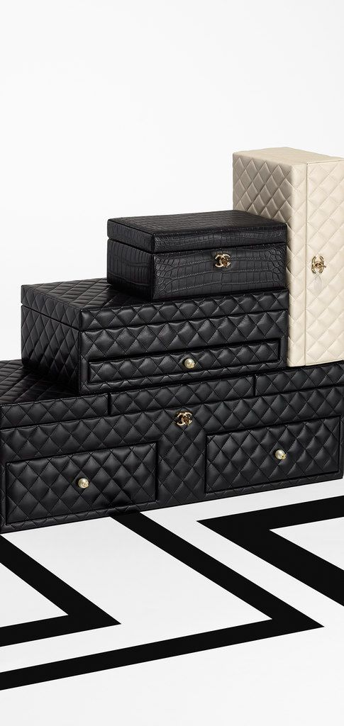 Large lambskin jewelry box CHANEL Chanel Pinterest Box Coco