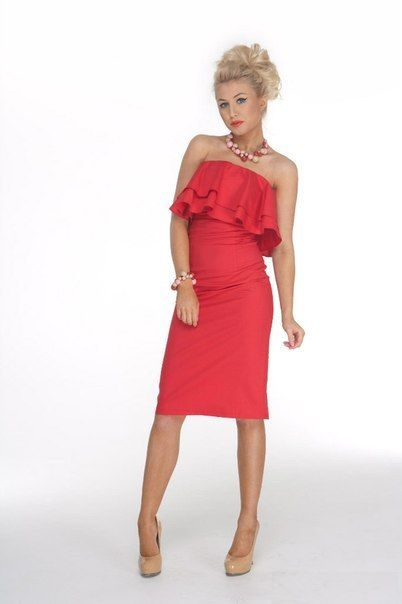 No strap red dress with frill #dresses #dress #formal #wedding #white #beauty #beautiful #marriage #married #black #white #wife #bride #gorgeous #bow #long #gown #elegant #classy #lace #dress #girls #girl #bride #valentino #sexy #hot
