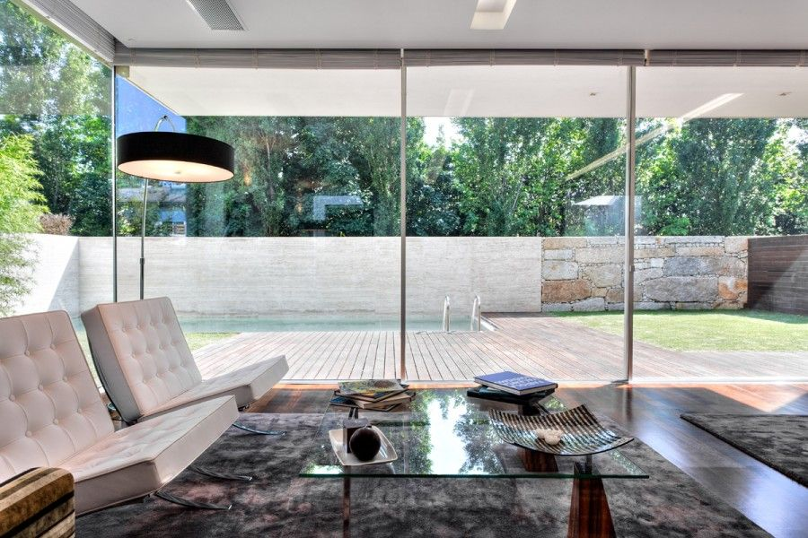 Home decoration Stunning Living Room Modern Glass House Interior