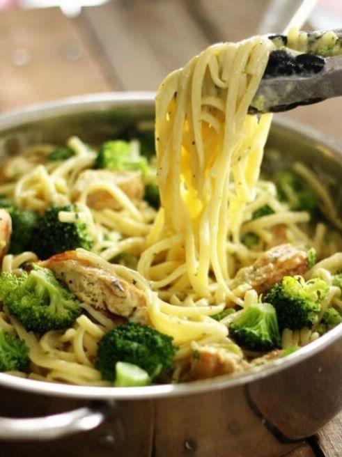 einfacher geht 39 s nicht 3 one pot pasta rezepte f r die schnelle feierabend k che brokkoli. Black Bedroom Furniture Sets. Home Design Ideas