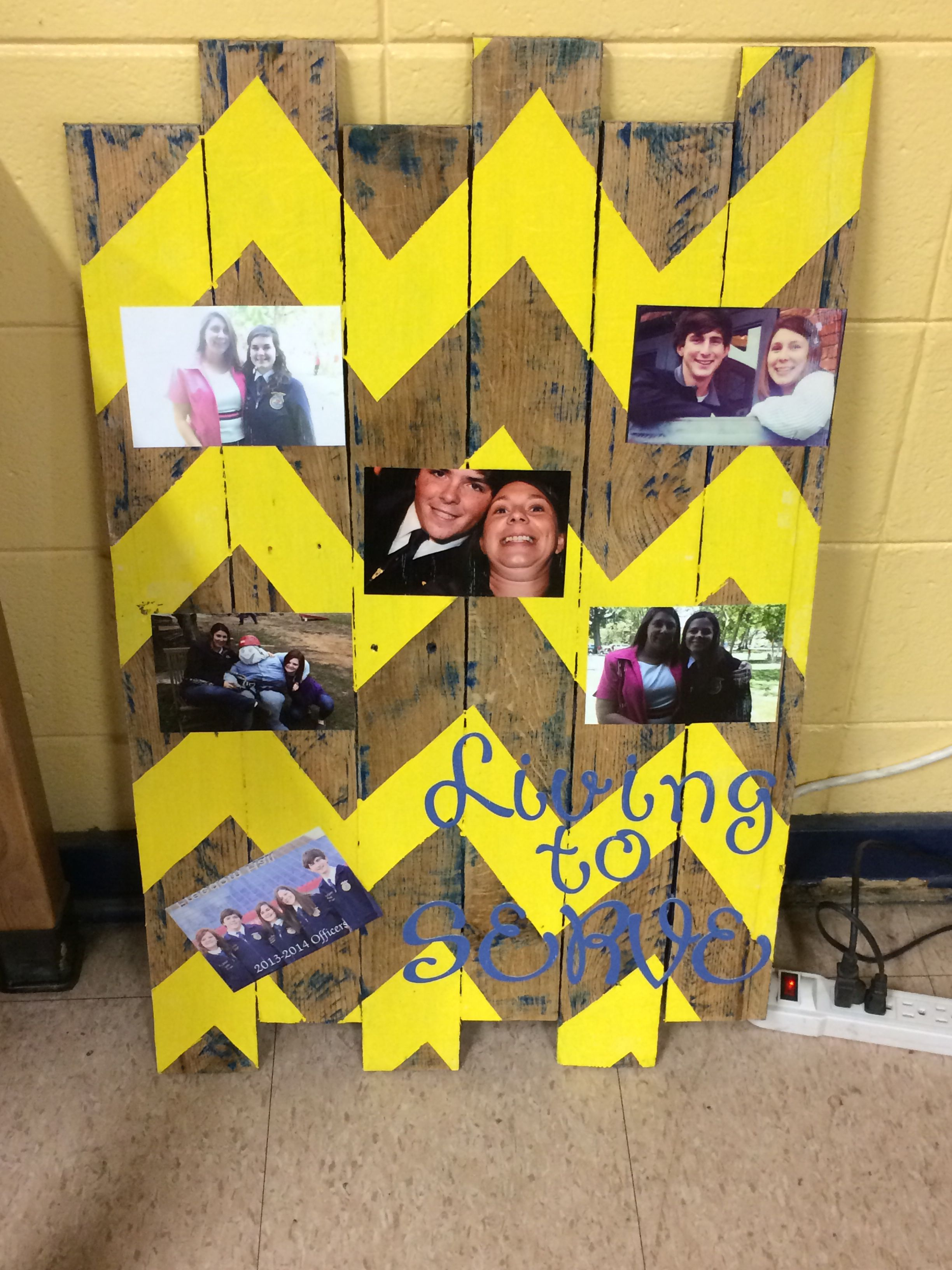 Best FFA Advisor gift ever! Pallet boards, paint & pictures!! | FFA ...
