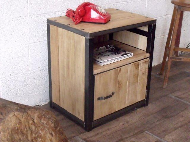 Meuble d\'appoint sur mesure en bois et acier brossé | Furniture ...