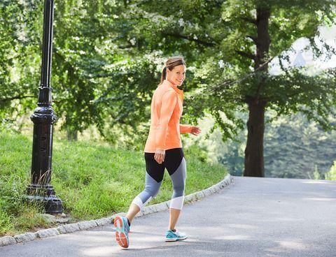 Photo of 3 Walking Workouts That Burn Serious Calories