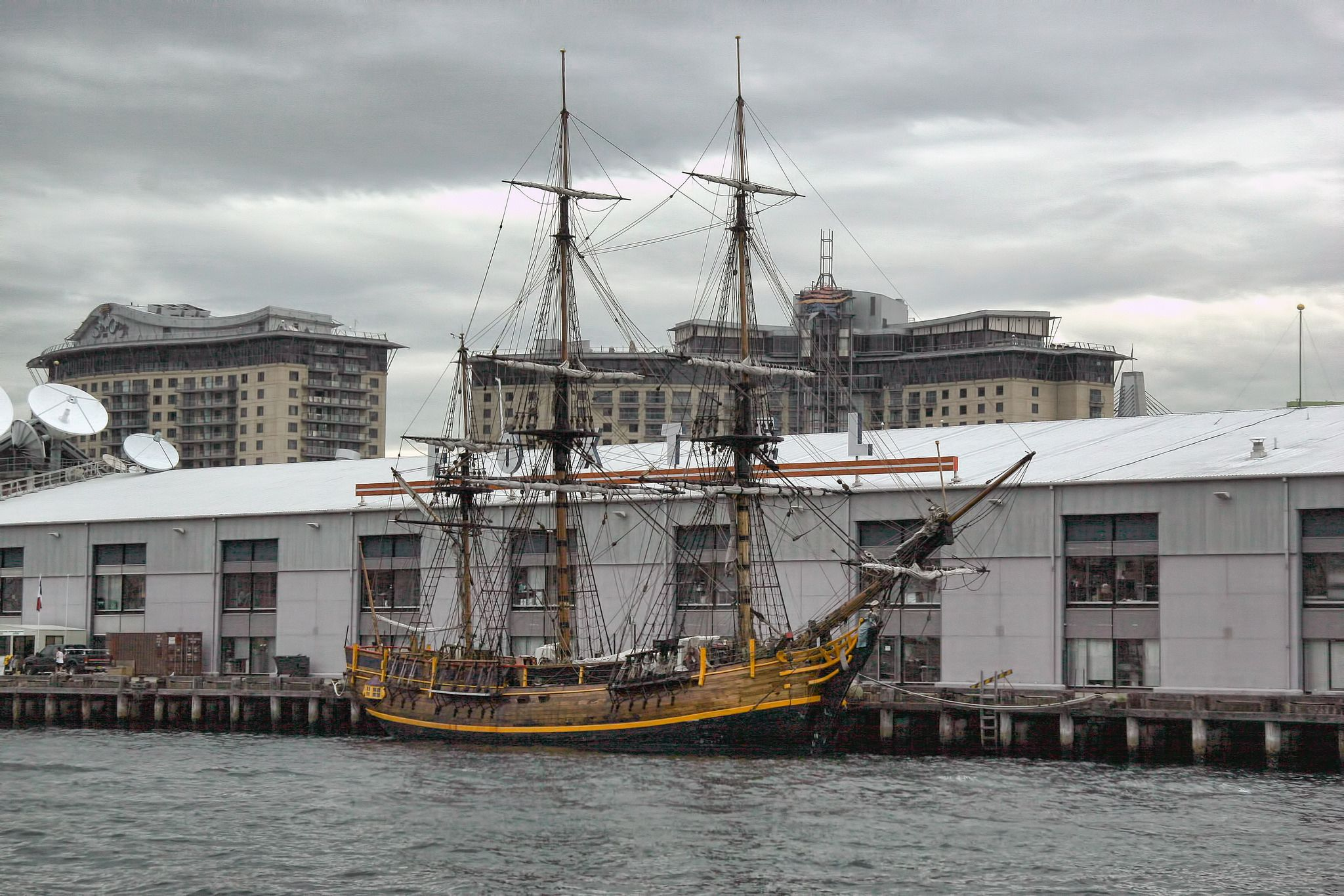 https://flic.kr/p/rdFpwJ | 보기좋은 옛날 배 : Show good old ship | 이런 것들을 보면 우리와는 다른 정서나 구성이 보인다. 식민지 시대의 정서와 함께.