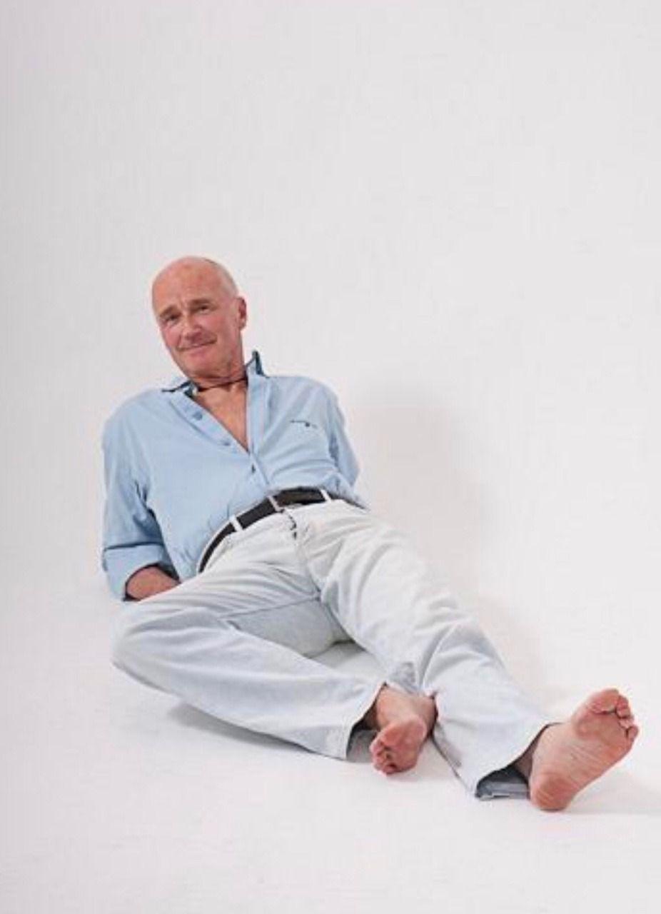 pinfred flinstone on bare feet: long pants,suits,slacks, jeans