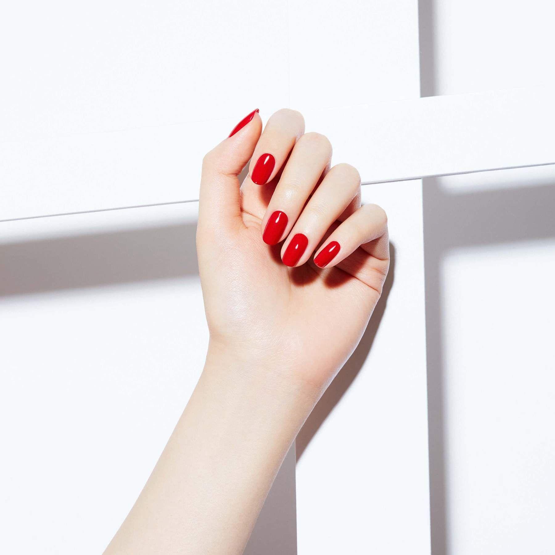 Liquid glass lacquer cuban cherry static nails dry
