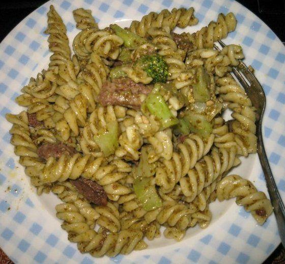 Broccoli, Italian Sausage, and Fusilli al Pesto | #pastadish #pastaalpesto