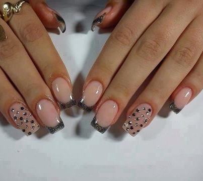 See more Shinning Dots style on Nails