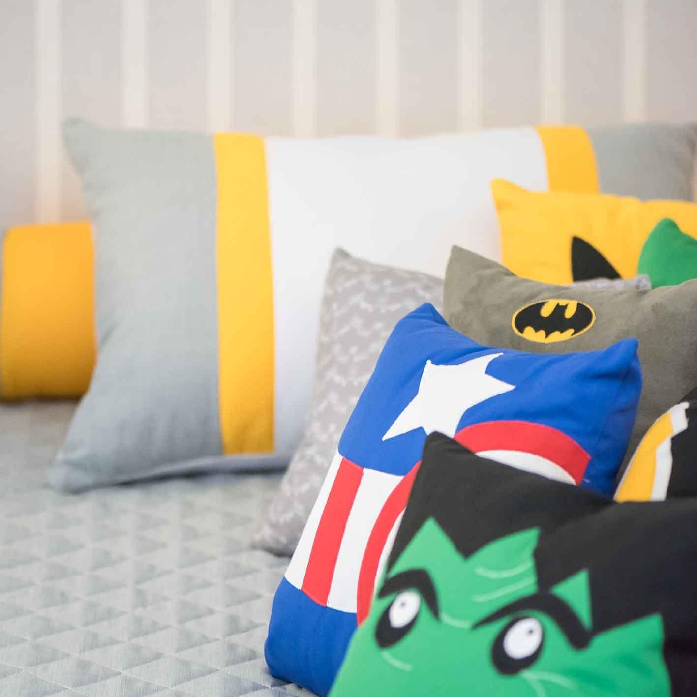 Almofadas Super Her Is Detalhe Hulk Capit O Am Rica Homem De  ~ Tecidos Para Parede De Quarto E Quarto Bebe Super Herois