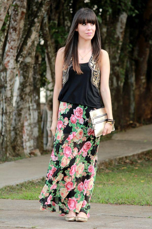 look-eclectico-con-falda-larga-de-flores-y-chaleco-de-lentejuelas ... 4cd31dfc8f54