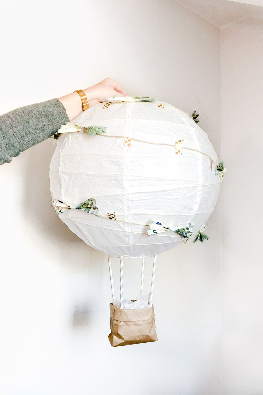 diy hei luftballon geldgeschenk f r die hochzeit geschenkideen hochzeit pinterest wedding. Black Bedroom Furniture Sets. Home Design Ideas
