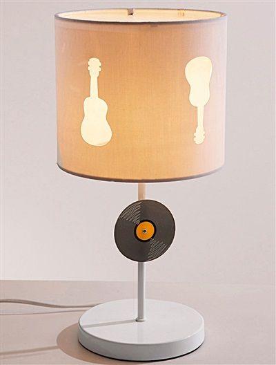 coole nachttischlampe von vertbaudet fr kleine rockstars - Coole Nachttischlampen
