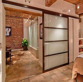 Puertas modernas correderas cerramientos de cristal for Puertas correderas comedor