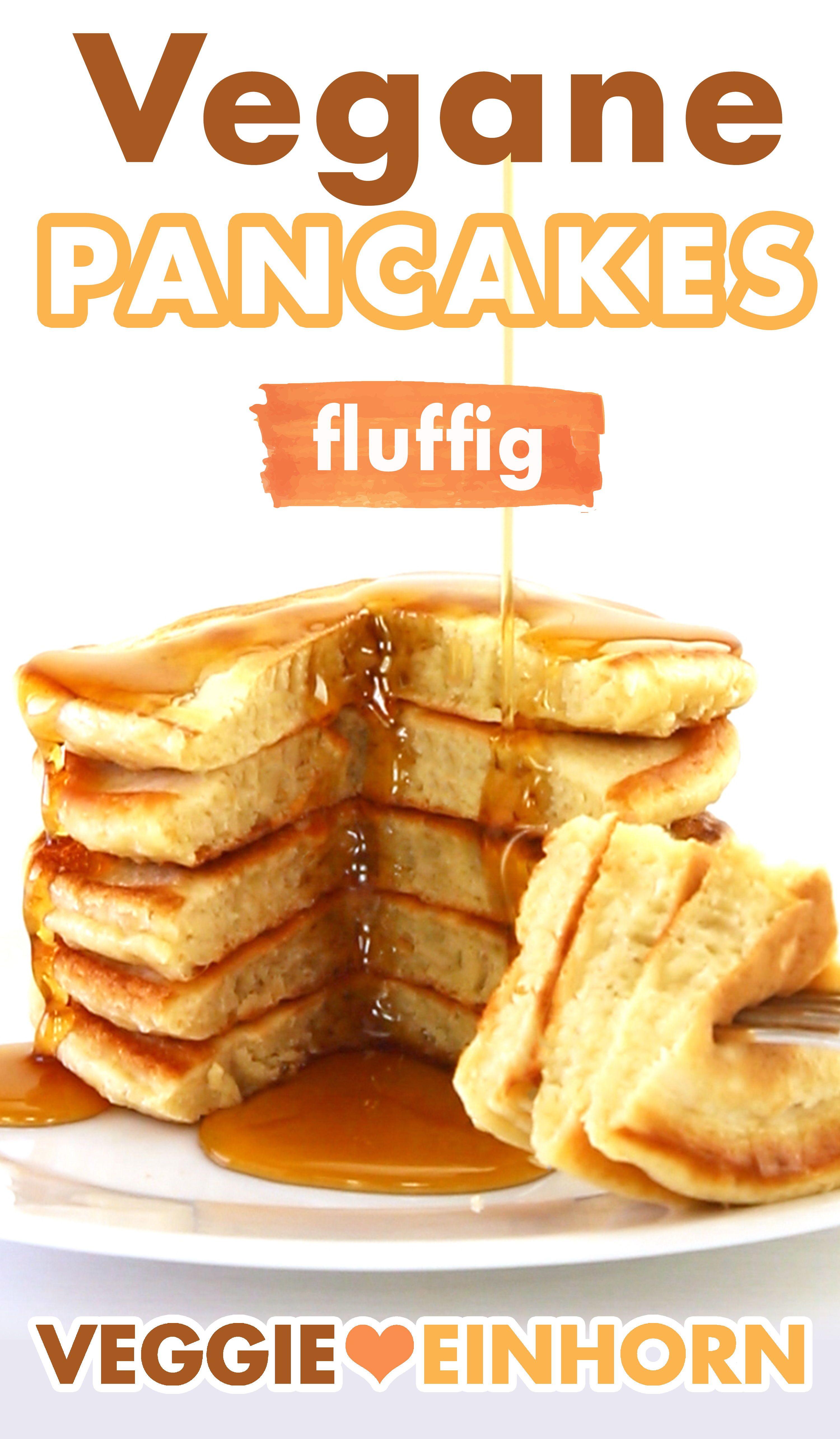 Einfache vegane Pancakes | Fluffige vegane Pfannkuchen ohne Ei | Leckeres veganes Frühstück essen
