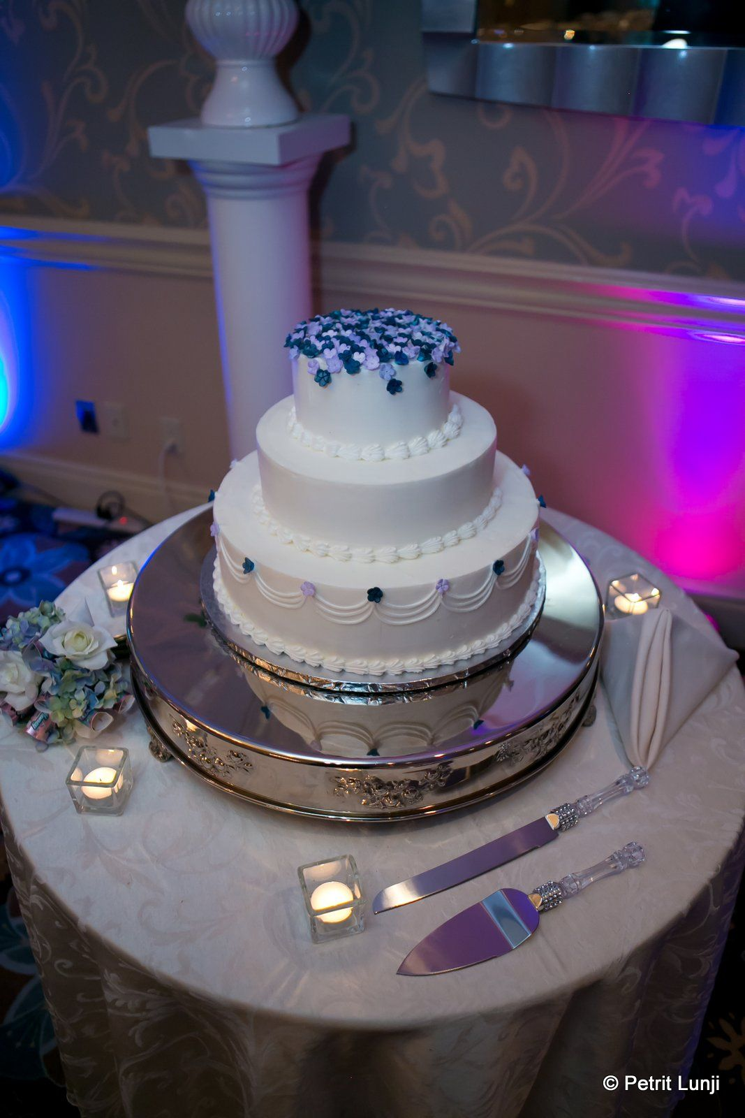 wedding cakes northern new jersey%0A Emerald Ballroom wedding cakes are created by Chocolate Carousel in Belmar   NJ  www